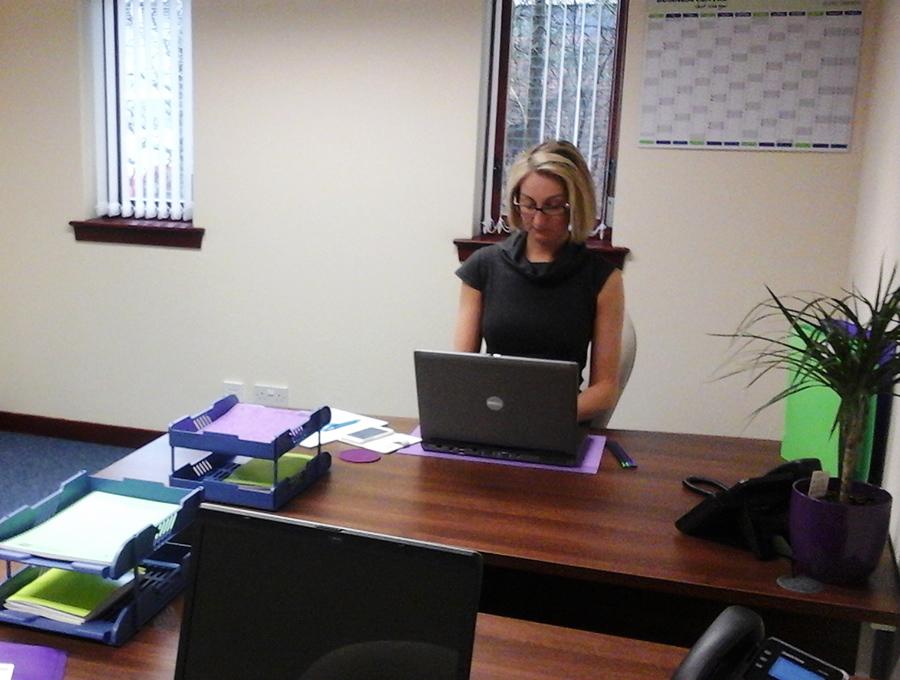 hot desk 2